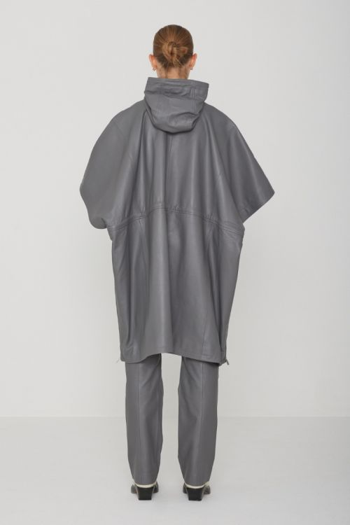Carlina Poncho Leather Quiet